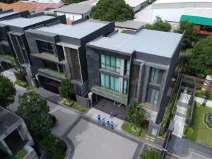 For RentHouseYothinpattana,CDC : LBH0252 3-storey detached house for rent with private pool Bugaan Village in Soi Yothin Phatthana 3 near CDC.