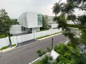 ขายบ้านบางนา แบริ่ง ลาซาล : **ขายด่วน** วีเว่ บางนา กม.7 (Vive Bangna) บ้านเดี่ยวหรูแนว modern 4 นอน บ้านใหม่ไม่เคยเข้าอยู่ ติดเมกะ บางนา