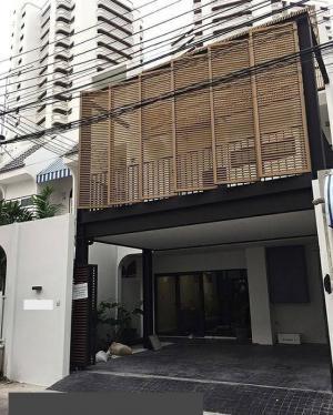เช่าทาวน์เฮ้าส์/ทาวน์โฮมสุขุมวิท อโศก ทองหล่อ : Townhome For Rent at Sukhumvit 49/1. Near BTS phromphong, fully furnished