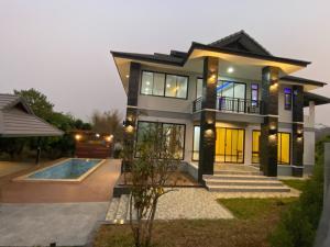 ขายบ้านเชียงใหม่ : บ้าน 4 ห้องนอน สไตล์โมเดิร์น พร้อมสระว่ายน้ำส่วนตัว แม่ริม เชียงใหม่ ใกล้โรงเรียนนานาชาติเปรม