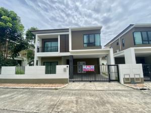 "For SaleHouseSamrong, Samut Prakan : New Single house 3b3b @Villa Arcadia Srinakarin close to International school and MRT yellow line ""Si-iam"""