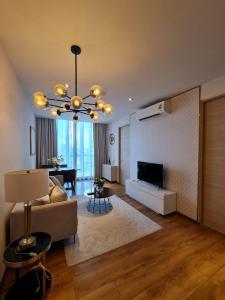 เช่าคอนโดสุขุมวิท อโศก ทองหล่อ : Park24  ใกล้เอ็มโพเรียม 2ห้องนอน  30k (covid special price)