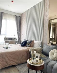 เช่าคอนโดอ่อนนุช อุดมสุข : Rent Hot Knightsbridge Prime Onnut 47th Floor (Topfloor)