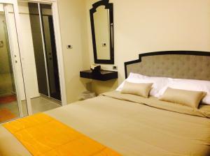 เช่าคอนโดสุขุมวิท อโศก ทองหล่อ : เช่าด่วน !! ห้องแต่งสวยมาก ห้องกว้าง The Crest Sukhumvit 34