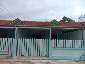 เช่าทาวน์เฮ้าส์/ทาวน์โฮมพัทยา บางแสน ชลบุรี ศรีราชา : ให้เช่า บ้าน พิกัดบางเสร่แยกเจ มีเฟอร์นิเจอร์ตามรูป ต่อเติมหน้าบ้าน มีที่จอดรถ