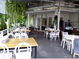 For RentRetailYothinpattana,CDC : Space for rent, restaurant, cafe shop near the expressway Ramintra