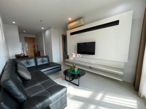 For SaleCondoRama9, Petchburi, RCA : Home of Love, Suburbs deal only 4.45 MB 1 Bedroom at Circle Condominium