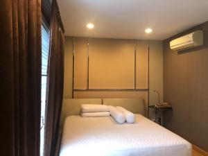 เช่าทาวน์เฮ้าส์/ทาวน์โฮมเลียบทางด่วนรามอินทรา : ให้เช่าทาวน์โฮม 3 ชั้น บ้านกลางเมือง Town Home 3 Stories Baan Klang Muang  เนื้อที่ 20 ตรว เลียบทางด่วน ใกล้ Central East Ville