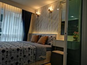 For SaleCondoThaphra, Talat Phlu, Wutthakat : Condo for sale, Rye Rye, Talat Phlu, Building A, 3rd floor, built-in, luxury, whole room, very beautiful, wide room, selling price 1.85 million baht