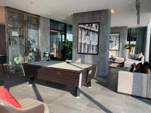 For RentCondoSathorn, Narathiwat : Urgent Rent ++ High Floor ++ Nice Decor++ Modern Furniture++ BTS ++ Available@25000🔥🔥