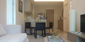 For RentCondoSukhumvit, Asoke, Thonglor : Best price 2 bedrooms at Vtara36 only 25,000 THB