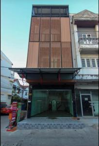 เช่าตึกแถว อาคารพาณิชย์แจ้งวัฒนะ เมืองทอง : ให้เช่าอาคารพาณิชย์ 3 ชั้นครึ่ง หลังกลาง หน้ากว้าง 4 เมตร ขนาด145 ตรม. แจ้งวัฒนะ ซอย 6 ทำเลดีมาก