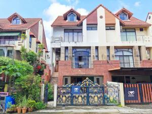 ขายบ้านเอกชัย บางบอน : บ้าน 3 ชั้นครึ่ง ธนบดี บางบอน บ้านใหญ่ พื้นที่ใช้สวยกว้างๆ โครงการห่างถนนใหญ่เพียง 350 เมตร 5.5 ล้าน