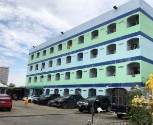 ขายขายเซ้งกิจการ (โรงแรม หอพัก อพาร์ตเมนต์)วงเวียนใหญ่ เจริญนคร : ขายอพาร์ทเม้นท์ 75 ห้อง เจริญนคร 18 แยก 9 เข้าซอย 300 เมตร 5 นาทีเดินเท้าถึง BTS ธนบุรี