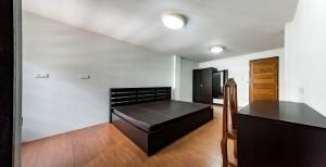 For RentHouseWongwianyai, Charoennakor : room for rent ThePalmApartment