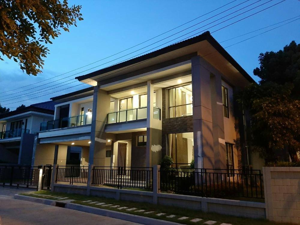 เช่าบ้านอ่อนนุช อุดมสุข : For Rent Single House ฺBrand new 2 strories 5 Bedrooms 6 Bathrooms The City Pattanakarn Onnut 70/1 , Corner Unit