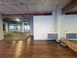 For RentOfficeOnnut, Udomsuk : Office for rent, size 210 sq m, 2nd floor, Soi Ekamai 22.