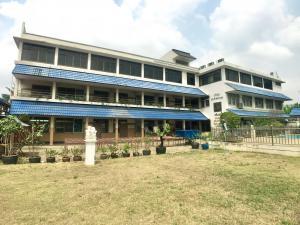 ขายสำนักงานปิ่นเกล้า จรัญสนิทวงศ์ : ขายโรงเรียนซอยจรัญสนิทวงศ์ 95/1  ใกล้ MRTบางอ้อ เข้าซอย 700 ม. เหมาะทำบ้านพักผู้สูงอายุและกิจการต่างๆ