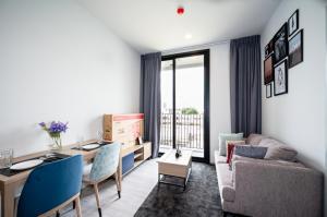 For RentCondoSukhumvit, Asoke, Thonglor : [ 1 Bedroom for rent ]  XT Ekkamai Condo - Near to BTS Ekkamai