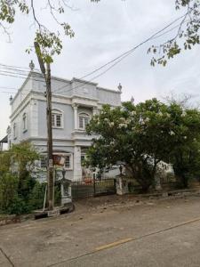 ขายบ้านเอกชัย บางบอน : AHT181ขายบ้านเดี่ยว 2 ชั้น พร้อมที่ดิน 90 ตรว. บ้านหลังมุม หมู่บ้านชิชาคันทรีคลับ โซน 1 ต้องรีโนเวท  พระราม2