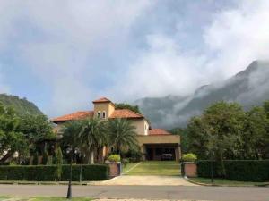 ขายบ้านโคราช เขาใหญ่ ปากช่อง : ขายบ้านสวย สง่างาม สภาพดี  โครงการ วิลล่า โนว่า เขาใหญ่