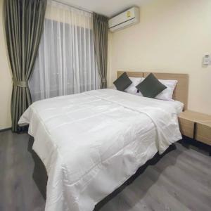 For RentCondoPattanakan, Srinakarin : For Rent Richpark@Triplestation (AirportLink Huamak) 1 bedroom 28sqm