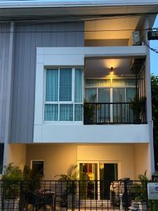 For SaleTownhouseBang kae, Phetkasem : Garden-View Townhome on Phetkasem 69 Being Sold at Cost