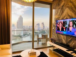 เช่าคอนโดวงเวียนใหญ่ เจริญนคร : Magnolia Waterfront Residence Iconsiam for rent [Ultimate/Corner Unit]