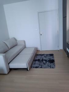For RentCondoBangna, Bearing, Lasalle : UNiO Sukhumvit 72 Phase 2 Line ID: @livebkk (with @ too)