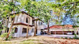 เช่าบ้านพัฒนาการ ศรีนครินทร์ : ให้เช่า บ้านเดี่ยว 2 ชั้น บนเนื้อที่ 1 ไร่ หมู่บ้าน ลดาวัลย์ ศรีนครินทร์