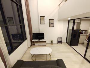 For RentCondoSathorn, Narathiwat : 🔸KnightsBridge Prime Sathorn - BTS Chong Nonsi🔸1 bedroom 1 bathroom DuplexArea 39 sq.m. on 39 floor[RENT] 23,000 THB/monthcode: CDRT1499Facilities🔹Swimming pool🔹Fitness gym🔹Garden🔹Sky lounge🔹Metropolitan Club🔹Steam🔹Sauna🔹Game room🔹Media cl