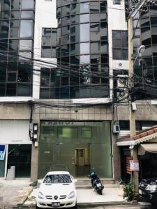 เช่าตึกแถว อาคารพาณิชย์นานา : รหัสC4468 ให้เช่า อาคารพาณิชย์ 4ชั้น ถนนสุขุมวิท39 ใกล้ BTS สถานีพร้อมพงษ์