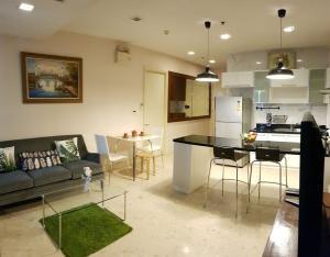 เช่าคอนโดสุขุมวิท อโศก ทองหล่อ : (For rent) Nusasiri Grand Condo Ekamai, connected with BTS Ekkamai, very cozy and convenient