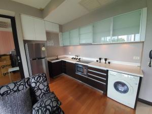 ขายคอนโดสาทร นราธิวาส : ขายถูกมาก The Loft Yennakart 2 ห้องนอน 68 ตร.ม. ห้องใหม่ วิวสวย @5.99 ล้านเท่านั้น