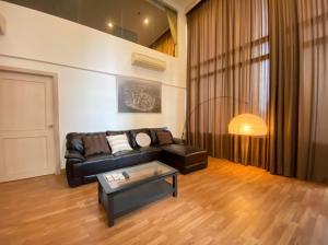 เช่าคอนโดสุขุมวิท อโศก ทองหล่อ : Nice Room>> 2 Bedroom Duplex Special price 65K/Month Ready to move in