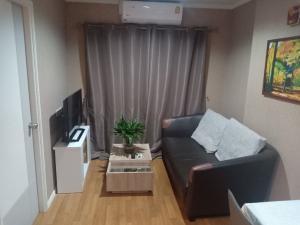 เช่าคอนโดพระราม 9 เพชรบุรีตัดใหม่ RCA : ให้เช่า !!! ลุมพินี พาร์ค พระราม 9 พร้อมอยู่ 1 ห้องนอน  ขนาด 30 ตารางเมตร ชั้น 7 สระ ราคาถูกสุดๆ เพียง 10,000 บาท/เดือน