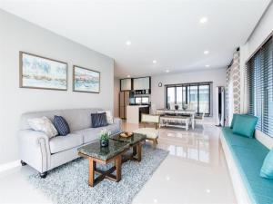 For RentHousePattanakan, Srinakarin : 4Bedroom Setthasiri Krungthep Kreetha for rent