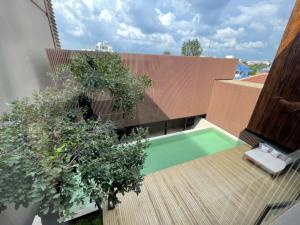 ขายบ้านเลียบทางด่วนรามอินทรา : Selling : Single House Nak Niwat 18  100 sqw.4 bed 6 bath 4 Parking  and 2 Multipurpose room 3 Floors .🔥🔥Selling Price: 47,900,000 THB 🔥🔥