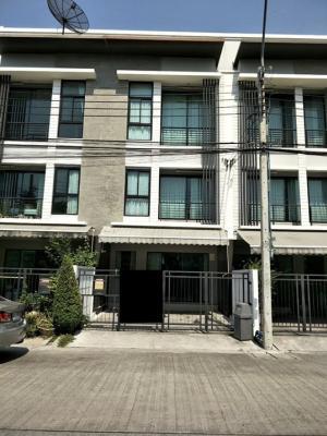 For RentTownhouseRamkhamhaeng, Hua Mak : Townhome for rent Baan Klang Muang Rama 9-Ramkhamhaeng garden view near the club house