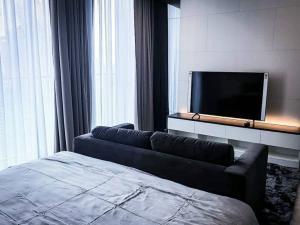 เช่าคอนโดวิทยุ ชิดลม หลังสวน : (For rent) ฺNoble Ploenchit Condominium, Luxury lifestyle close to BTS Ploenchit