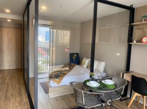 For RentCondoSathorn, Narathiwat : Condo for Rent Surasak BTS I 1Bedroom   30 Sqm.   10,000 THB