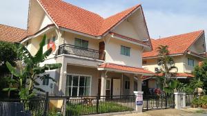 ขายบ้านรังสิต ธรรมศาสตร์ ปทุม : ขายบ้านเดี่ยวหลังใหญ่ 51ตร.วา 230ตร.ม ม.รัตนวรรณ2ลำลูกกา 3ห้องนอน บิ้วอินทั้งหลัง