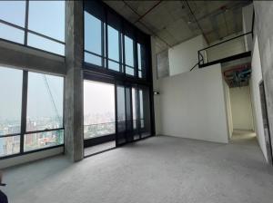 ขายคอนโดสุขุมวิท อโศก ทองหล่อ : 💥 1 เดียว ในทองหล่อ ยูนิตพิเศษ สำหรับ ผู้ครอบครองที่แสนพิเศษ DUPLEX Penthouse unit ห้องสุดท้าย สามารถใส่ลิฟในห้องได้ วิวสูงที่สุดที่สุดในทองหล่อ เห็นยอดตึดทุกตึก ลิฟเข้าห้่องได้เลย จอดรถได้ 4 คัน โทร 065-979-5246 โพสเตอ