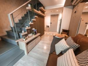 ขายคอนโดอ่อนนุช อุดมสุข : Ideo Mobi Sukhumvit Type Duplex 1 ห้องนอน 1 วิวไม่บลอค ชั้นสูง ติด bts อ่อนนุช โทร 0825425536 เบศ