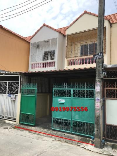 For SaleTownhouseBangna, Lasalle, Bearing : 2-storey townhouse for sale, Soi Bearing 48, near BTS Bearing, only 1 km. Good location, convenient transportation.