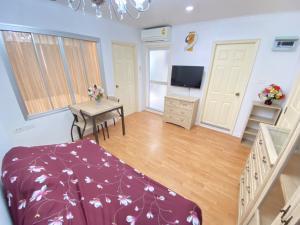 For RentCondoRamkhamhaeng, Hua Mak : For rent, Condo Lumpini Ville Ramkhamhaeng 44, 34 sqm., Building A, 12th floor, 1 bedroom, fully furnished, electrical