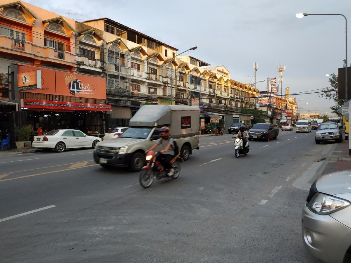 ให้เช่าที่ดินติดถนนใหญ่วัดลาดปลาดุก (4 เลน) 5 ไร่ 1 งาน 4 ตรวา ใกล้แหล่งชุมชน