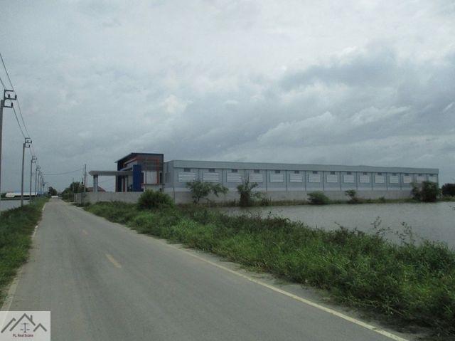 WA021 ขายโรงงานสร้างใหม่  บางนา กม.19 (คลองส่งน้ำสุวรรณภูมิ) พื้นที่รวม 6,150 ตร.ม พื้นที่ 3 ไร่กว่า